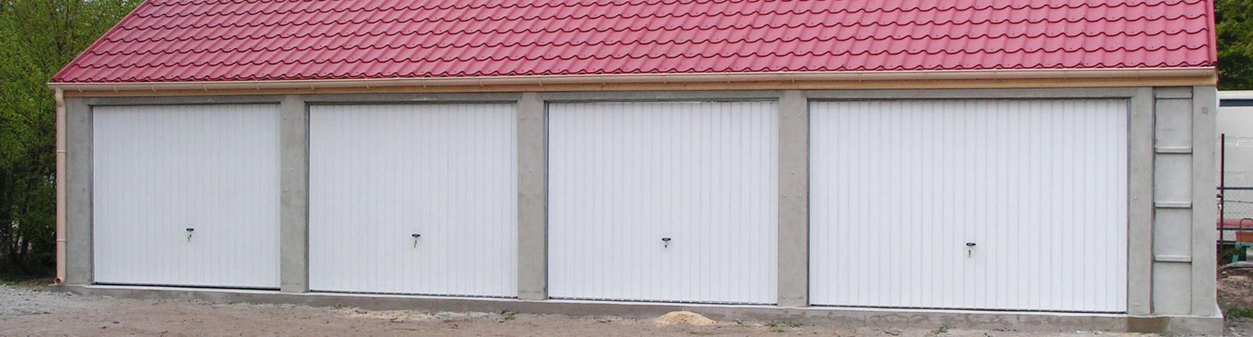 Garage/Carport Garage